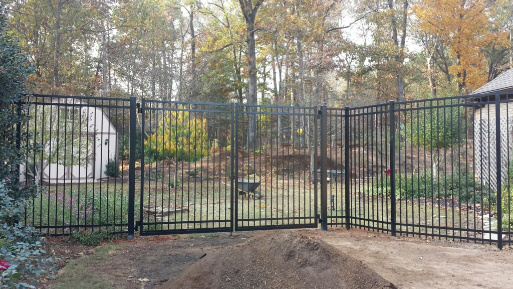 8039-aluminum-ornamental-fence