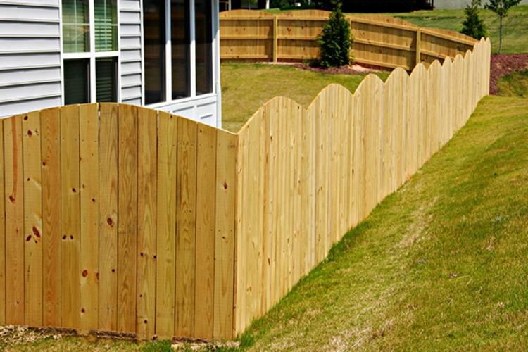 Wood-Privacy-Arched-Square-Picket-2_0-L